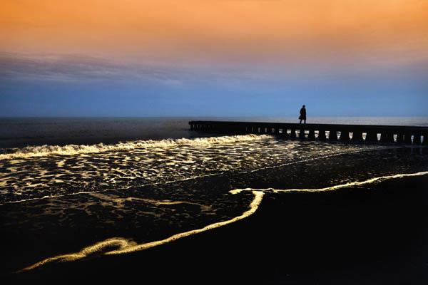Glossy/gm04 100×150 black pier